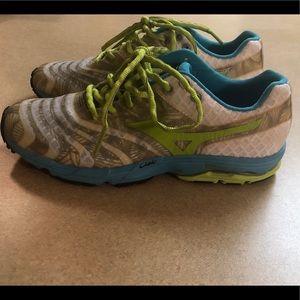 Women's Wave Sayonara Running Shoe